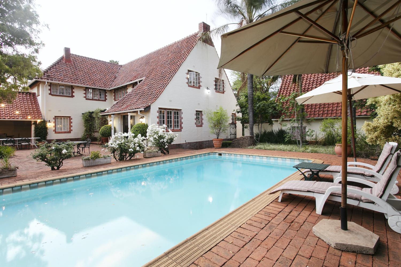 Brooklyn Manor Pool Luxury